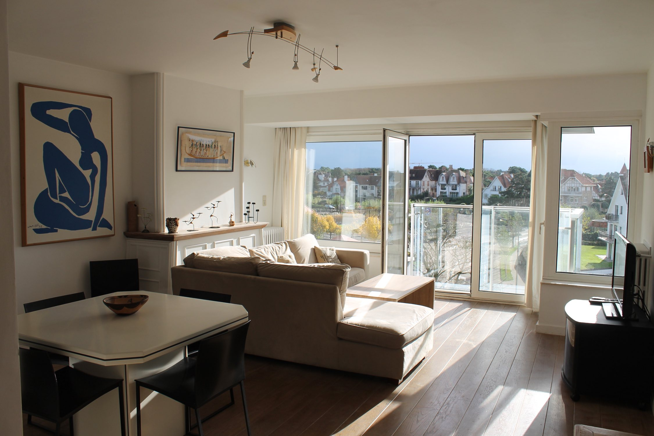 Renting an apartment in Knokke Het Zoute : the living